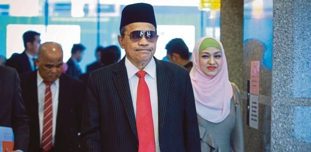 Shahidan Kassim claims unaware of arrest warrant | New Straits Times