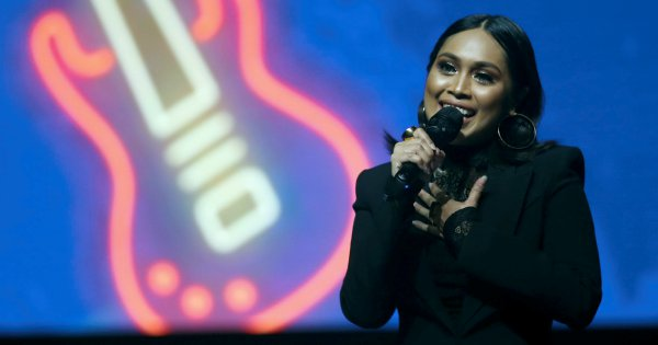 Showbiz: Musical ecstasy at JOOX concert | New Straits Times