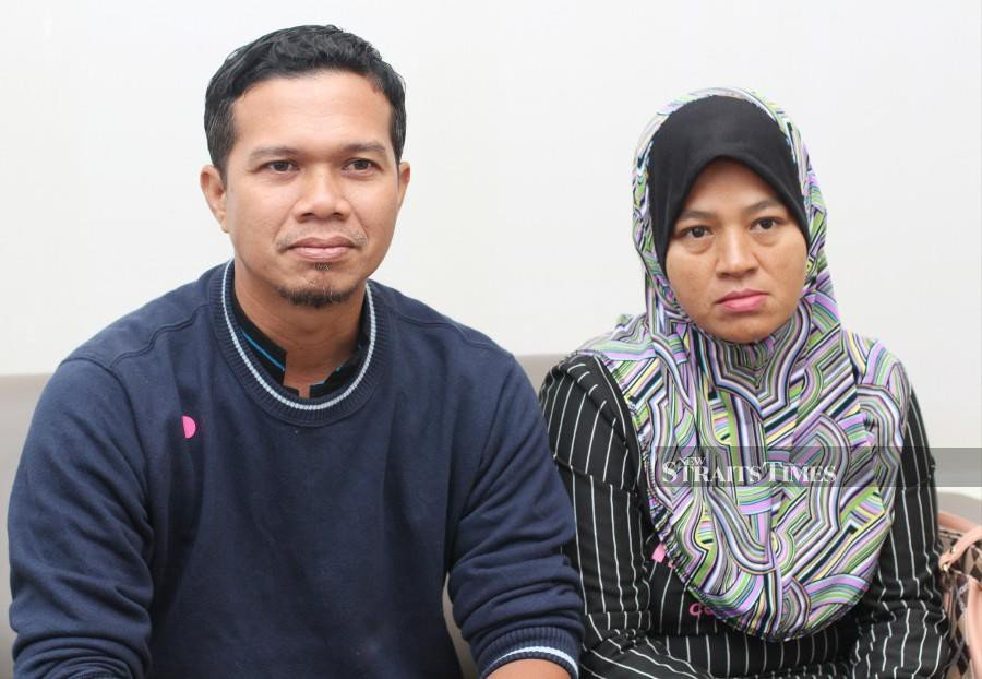 Mohd Azhar Yusoff and wife Marliza Mat Piah @ Mahmood are appealing to the public for donations to allow him undergo an open heart surgery. (NSTP/MUSTAFFA KAMAL)