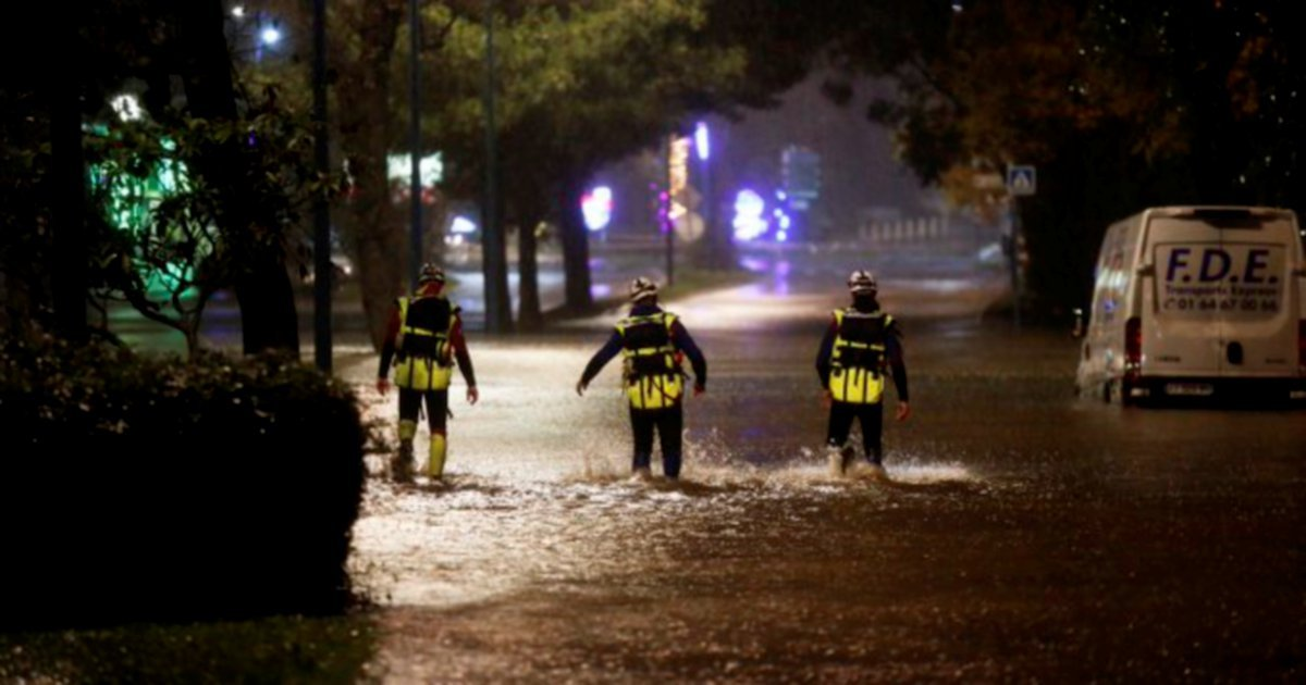 Three French flood rescuers killed in helicopter crash