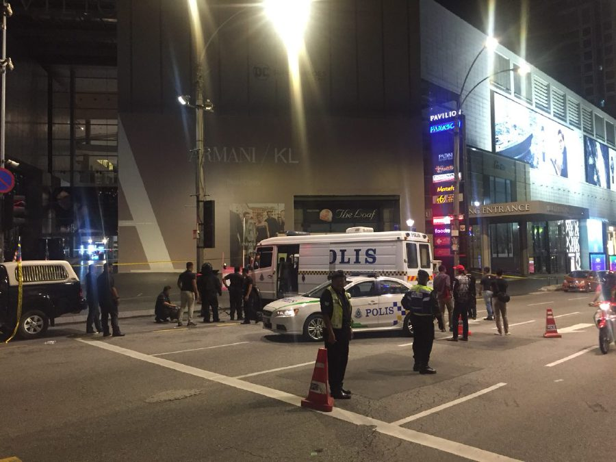 Bomb squad summoned over suspicious package at Bukit Bintang
