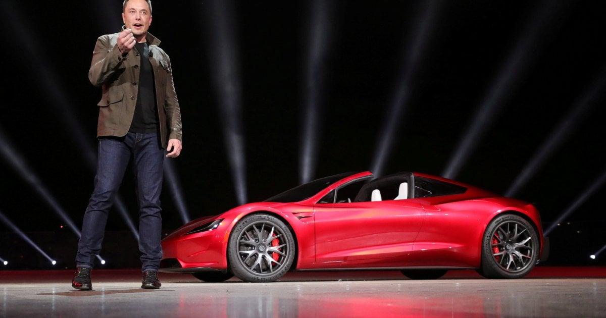 Musk beats deadline for building world's biggest battery