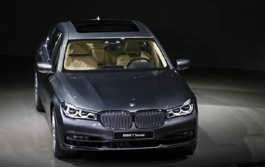 BMWs New Series Gets Special Pricing For Year Anniversary - Bmw 100 series