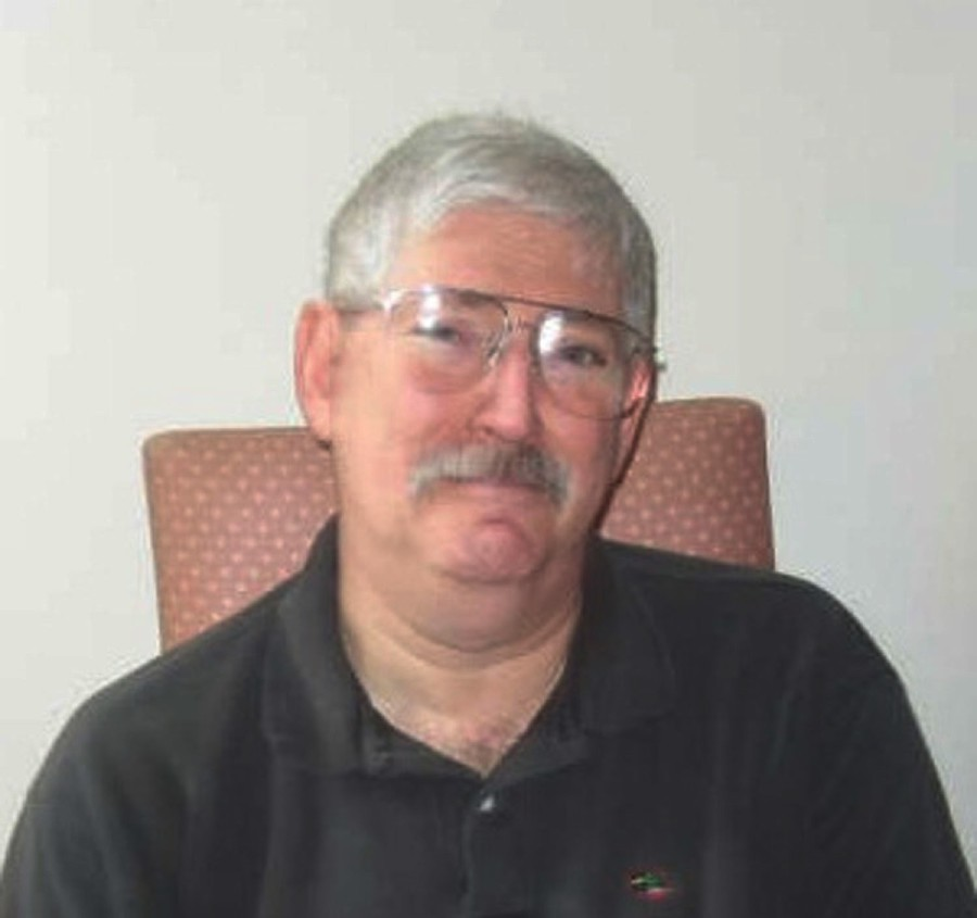 """(FILES) This photo courtesy of the Levinson family at www.helpboblevinson.com shows a 2007 image of former FBI Agent Bob Levinson. - The former FBI agent Robert Levinson, who disappeared under mysterious circumstances in 2007, has died in Iranian custody, his family said on March 25, 2020. """"We recently received information from US officials that has led both them and us to conclude that our wonderful husband and father died while in Iranian custody,"""" said a statement from Levinson's family. USIrandiplomacyprisoners (Photo by - / WWW.HELPBOBLEVINSON.COM / AFP) / RESTRICTED TO EDITORIAL USE - MANDATORY CREDIT """"AFP PHOTO / AFP PHOTO/WWW.HELPBOBLEVINSON.COM"""" - NO MARKETING - NO ADVERTISING CAMPAIGNS - DISTRIBUTED AS A SERVICE TO CLIENTS"""