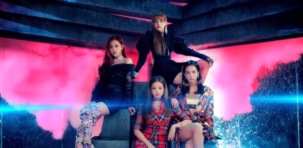 Showbiz Blackpink Wowed 8 000 Fans At First Sold Out Malaysian