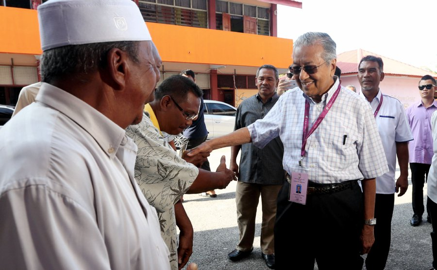 Dr Mahathir: We will investigate if party crossovers involve corruption