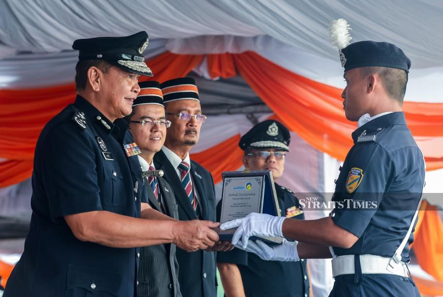 Inspector-General of Police Tan Sri Abdul Hamid Bador welcomes the government's decision to impose heavier penalties for offences related to driving under the influence of alcohol or drugs and reckless driving. -NSTP/LUQMAN HAKIM ZUBIR