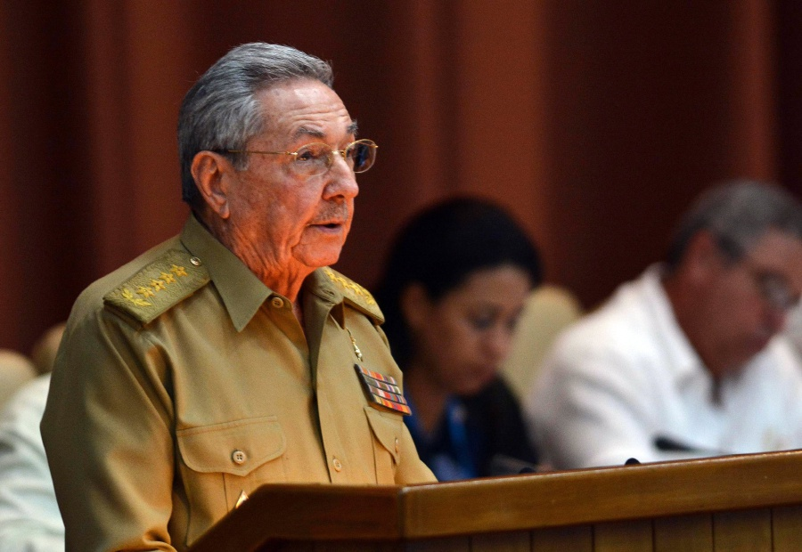 Castro denounces Trump's policy — CUBA
