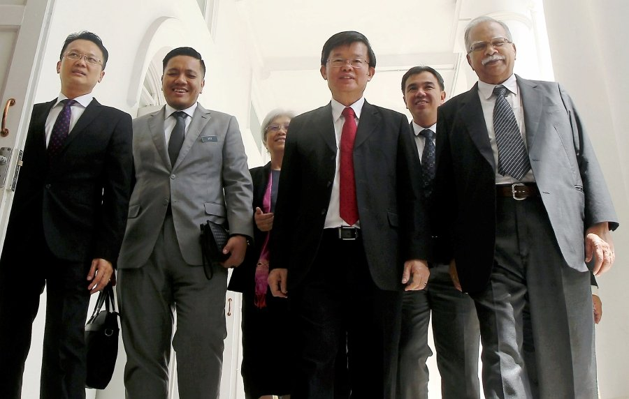 Chief Minister Chow Kon Yeow (PH-Padang Kota) (second from right) at George Town, Penang today. Pix by Danial Saad