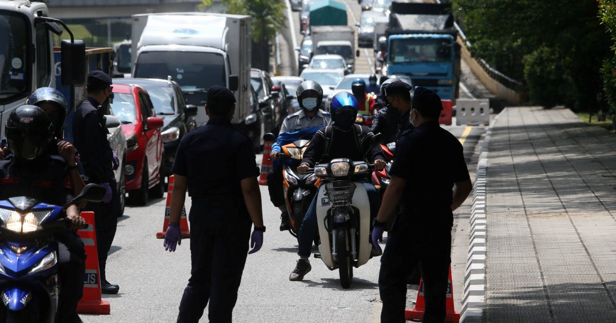 More than 16,000 policemen yet to receive vaccines despite being frontliners