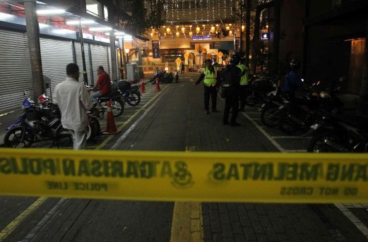 Police had cordoned of the area as a measure of security.Pix by Muhammad Asyraf Sawal.