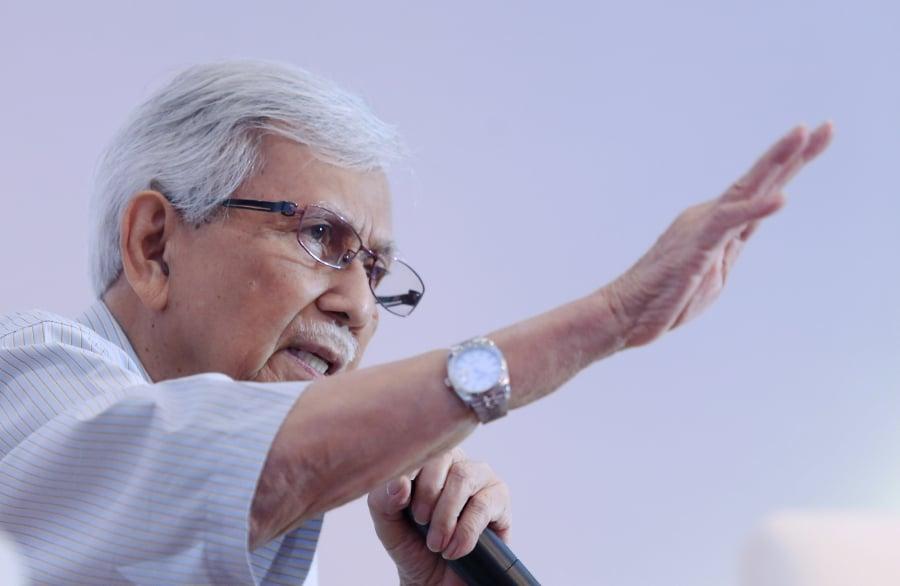 Chairman Coucil of Eminent Person (CEP), Tun Daim Zainuddin. NSTP/File pic