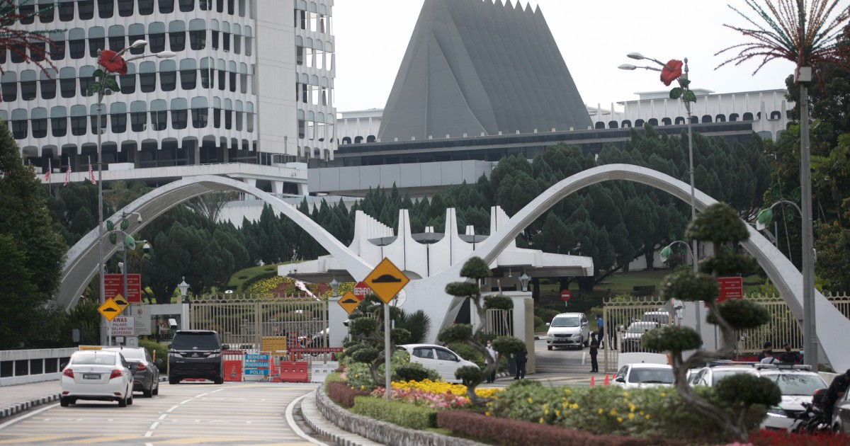 Netizens question haphazard testing of MPs with poor SOPs