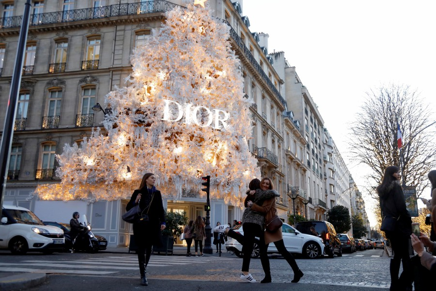 72b2fd8acaad (File pix) The Dior store on Avenue Montiagne is decorated with lights  during the holiday season in Paris