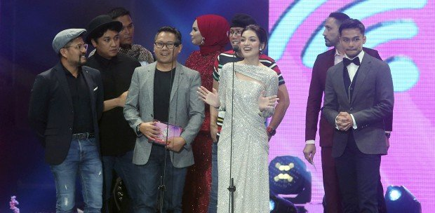 Showbiz: Big sweep for Nur at DFKL 2019 | New Straits Times