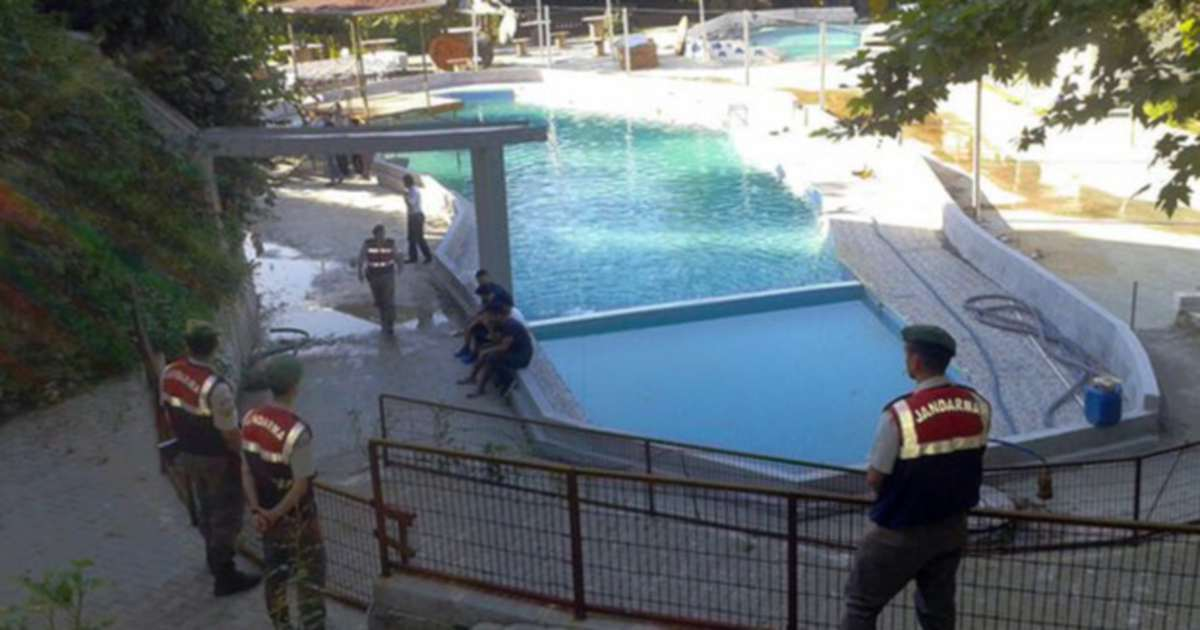 5, including 3 children, electrocuted to death at Turkey water park