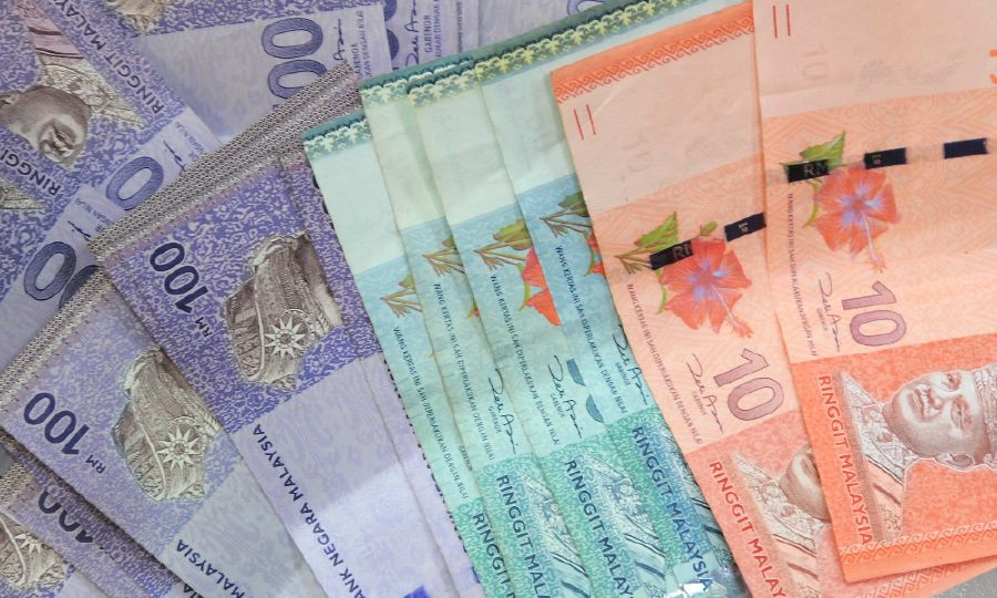 """Man Scammed RM10k For Being """"Too Greedy"""" Greed Isn't Always Good"""