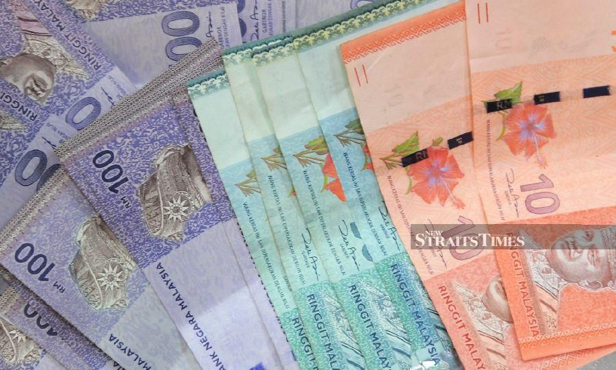 A sales representative made away with some RM125,000, after failing to handover the cash to his employee in Pahang. -NSTP/File pic