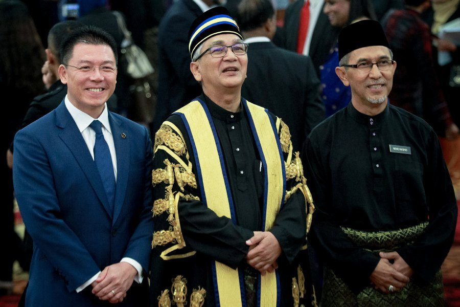 Nga Kor Ming (left)  and Datuk Mohd Rashid Hasnon (right) made the pledge in the hope of fostering an institution in which the spirit and practice of debate are encouraged rather than stifled.  NSTP/ASYRAF HAMZAH