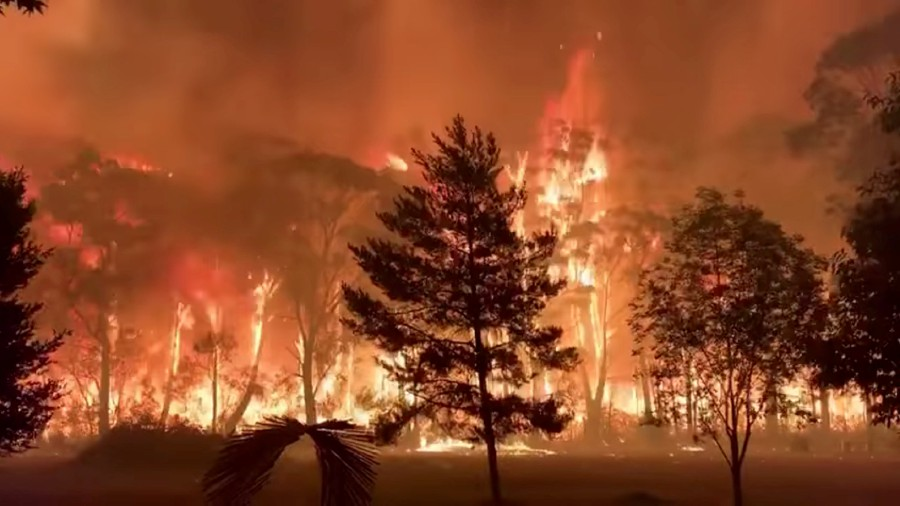 Australia: Massive bushfire in Blue Mountains