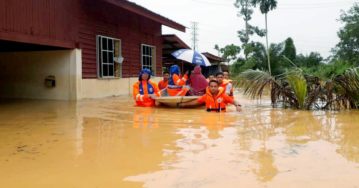 Flood evacuees in Perak increase; landslide repair to begin on Monday