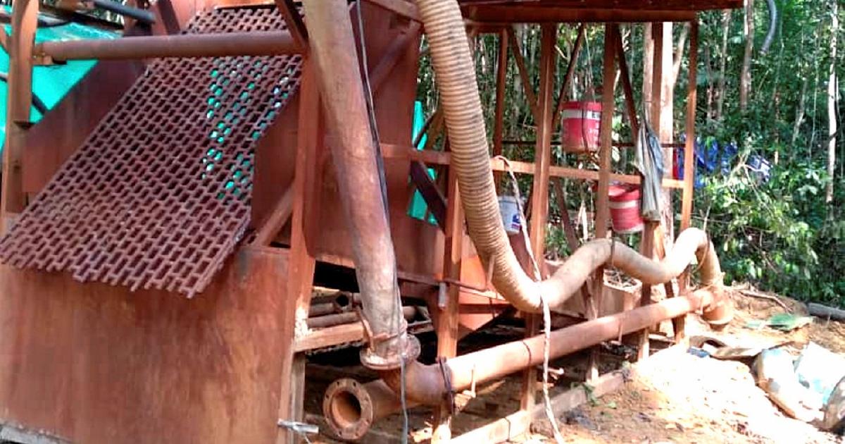 Illegal gold mining site in Raub raided