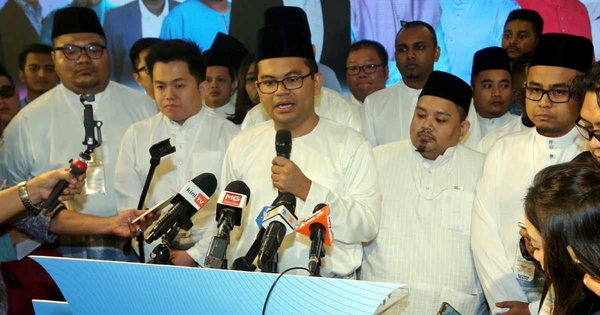 Some 200 'juveniles' create havoc at PKR Youth congress in Melaka