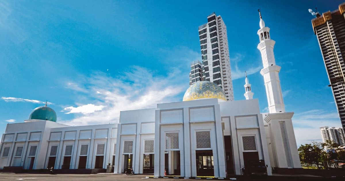 Masjid Nabawi-inspired Al-Bukhary mosque opens in Sungai Pinang