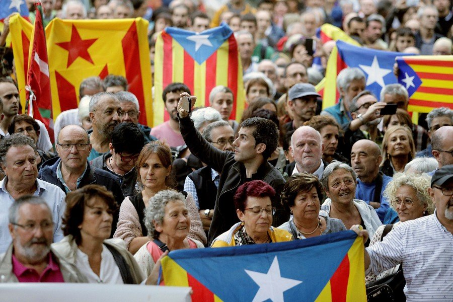 Spain Jails Catalan Leaders Sparking Angry Protests In Barcelona