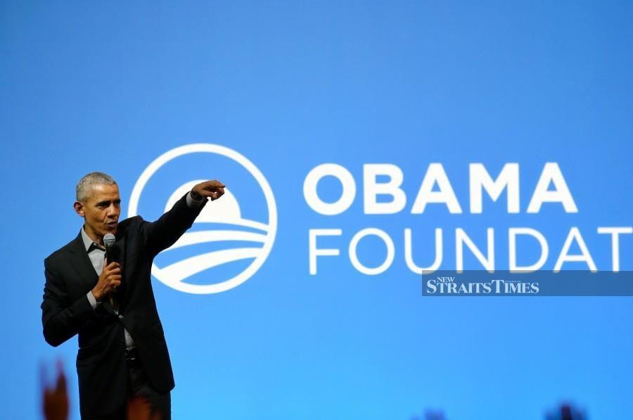 Former US President Barack Obama gestures during the Asia Pacific leadership programme in Kuala Lumpur. -NSTP/Aswadi Alias.