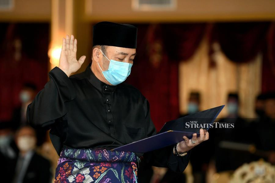 Sabah Parti Pribumi Bersatu Sabah (Bersatu) chief Datuk Seri Hajiji Mohd Noor has been sworn in as the 16th state Chief Minister today. Meanwhile, Sabah Bersatu deputy chief Datuk Seri Masidi Manjun is being appointed as Infrastructure Development Minister.  - Bernama photo.