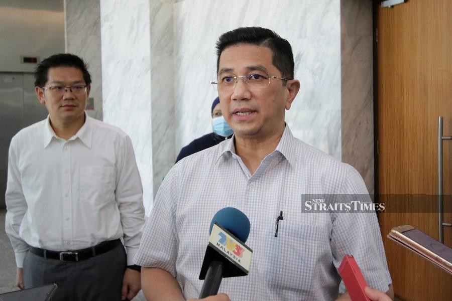 (File pic) International Trade and Industry Minister Datuk Seri Mohamed Azmin Ali said the reopening of the country will stimulate the economy and its sustainability. -NSTP/AIZUDDIN SAAD