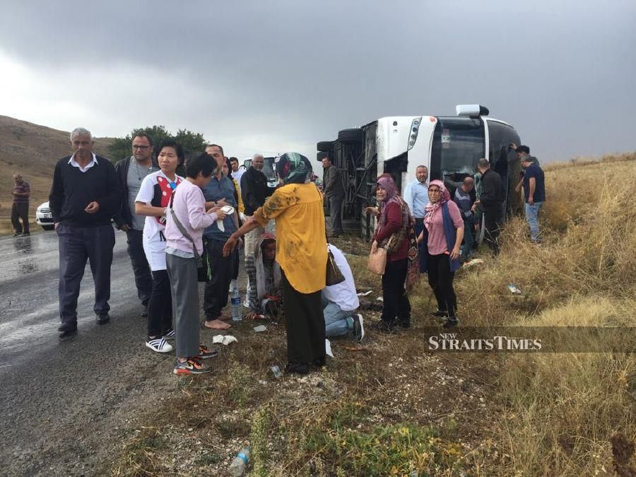 'The mishap took place at Afyonkarahisar causing one death while 10 more people were injured including four who were seriously hurt. (Pic courtesy from Reader)