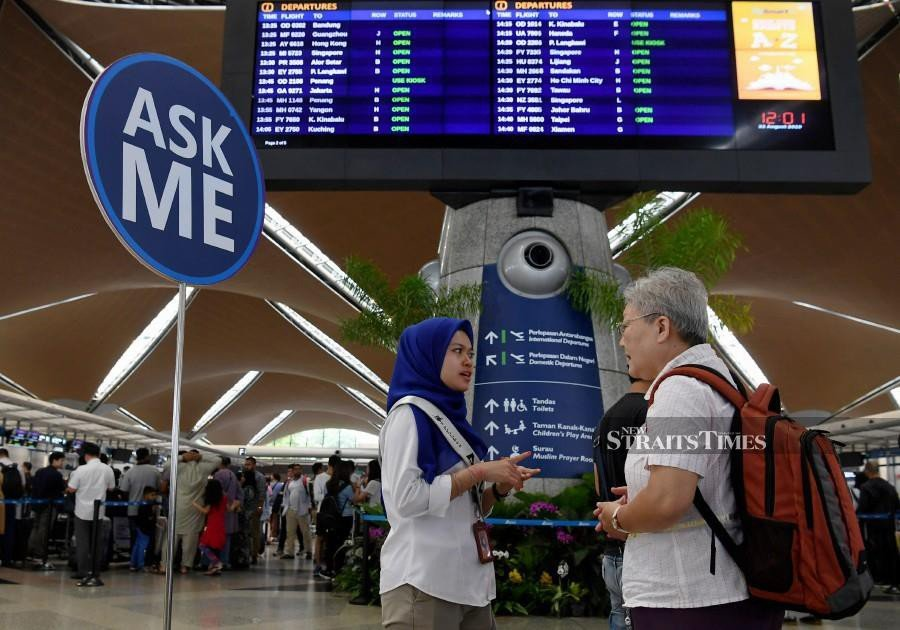 KLIA operator Malaysia Airports is scrambling to replace hardware for its Total Airport Management System (TAMS) to repair the glitch, which has caused the delay of 68 flights as of 10pm on Thursday, Bernama reported. (BERNAMA)