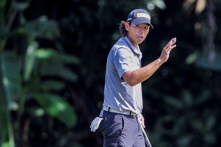 (File pix) Malaysia's Gavin Green was third at 17-under for the Czech Masters tournament. Pix by Aizuddin Saad