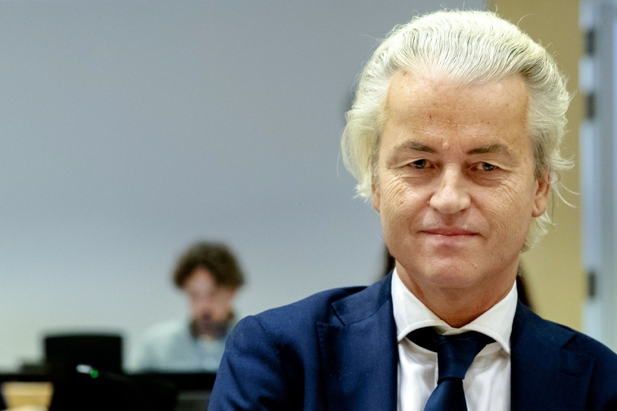 Geert Wilders relaunches Mohammed cartoon competition