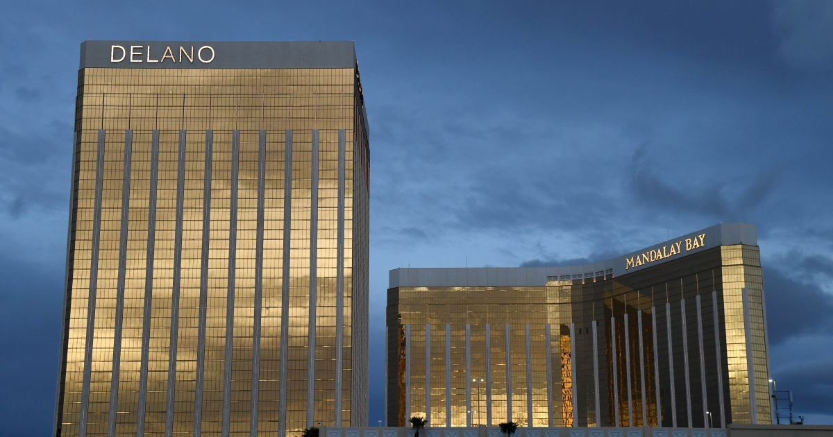 Covid-19: Las Vegas a 'ghost town', casino workers abandoned