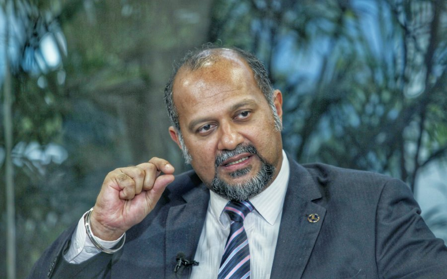 The prices of fixed broadband services in Malaysia are expected to see a reduction by at least 25 per cent by end of the year, said Communications and Multimedia Minister Gobind Singh Deo.