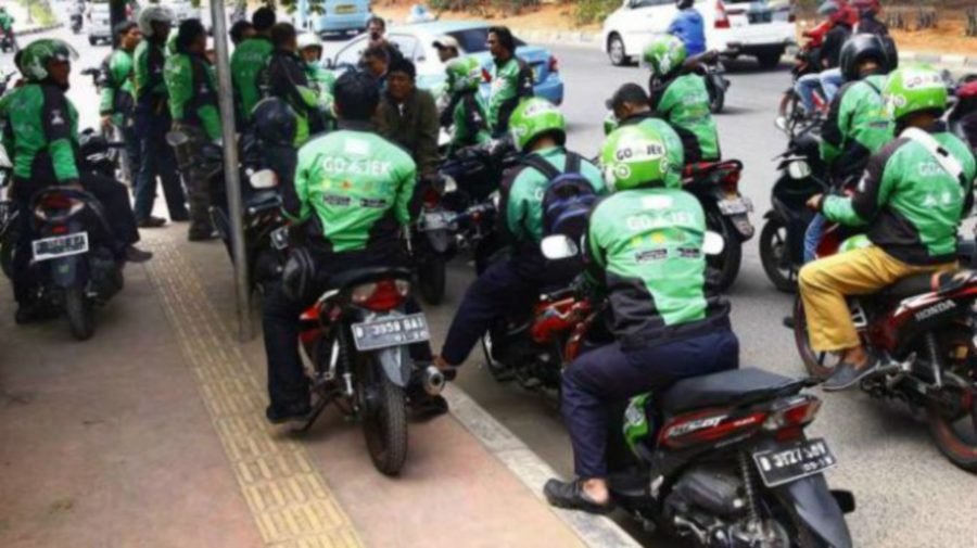 E-haling motorcycle service provider, Gojek, received the Cabinet's approval recently.