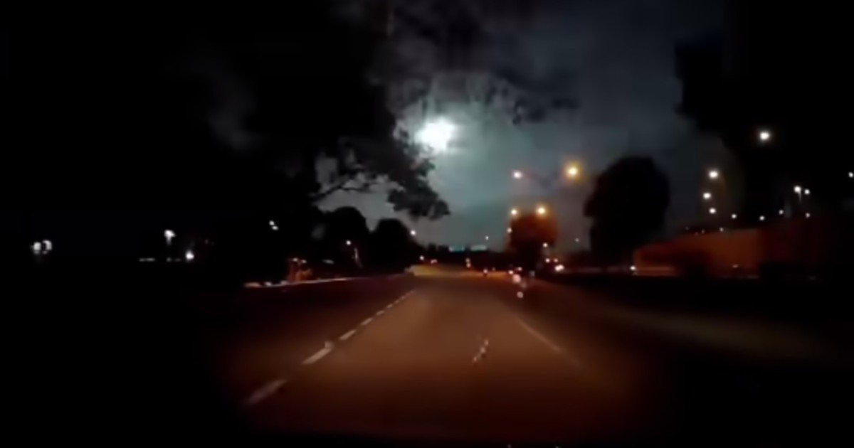 Watch: 'Green meteor' flashes over JB, Singapore sky; netizens dazzled