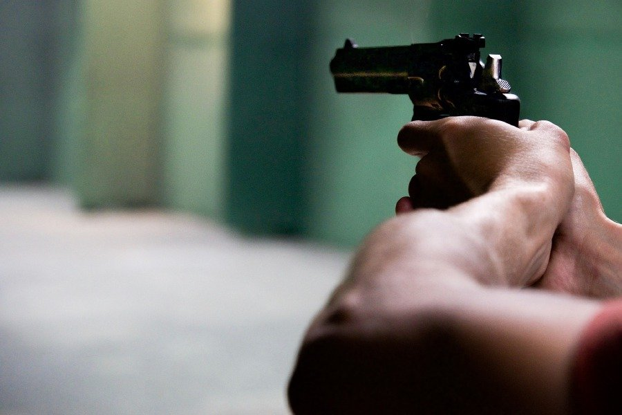 three-men-shoot-businessman-in-neck-during-robbery-at-kuantan-home
