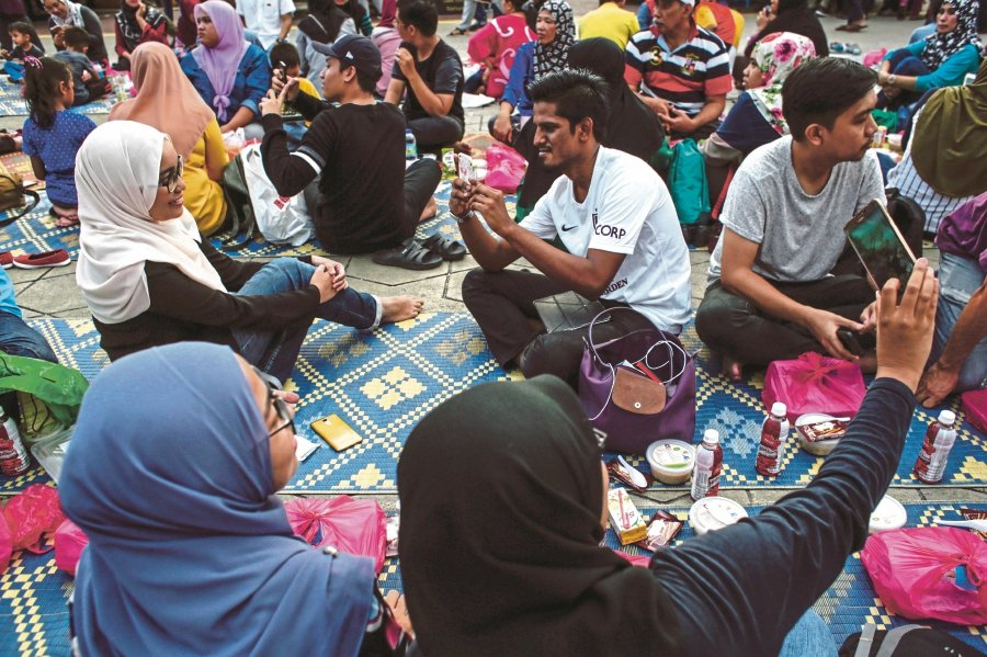 Ramadan is the best time for family and social gathering