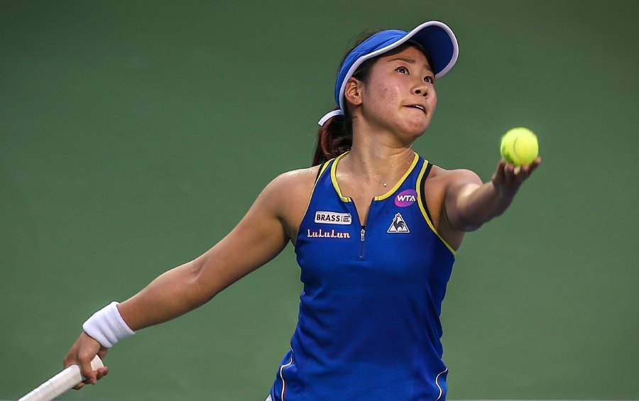 Tennis Japan S Nao Plays Ashleigh For Wta Malaysian Open Title