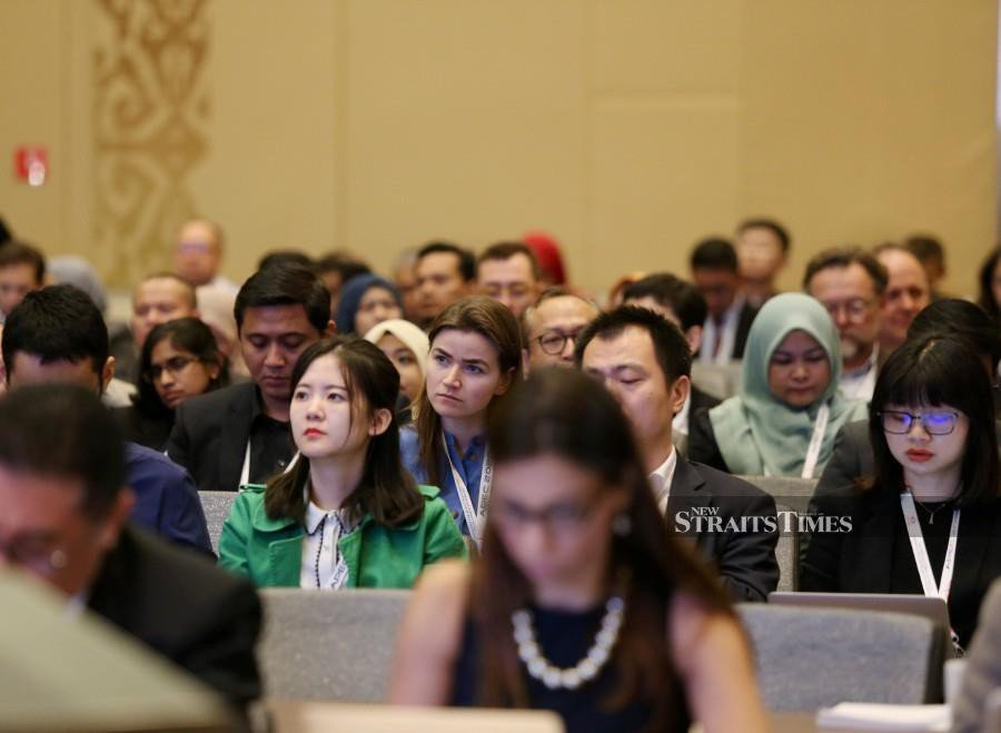 Some of the delegates attend the APEC Informal Senior Official's Meeting (ISOM) and Senior Officials Meeting (SOM) at Langkawi International Convention Centre in Langkawi. -NSTP/Sharul Hafiz Zam