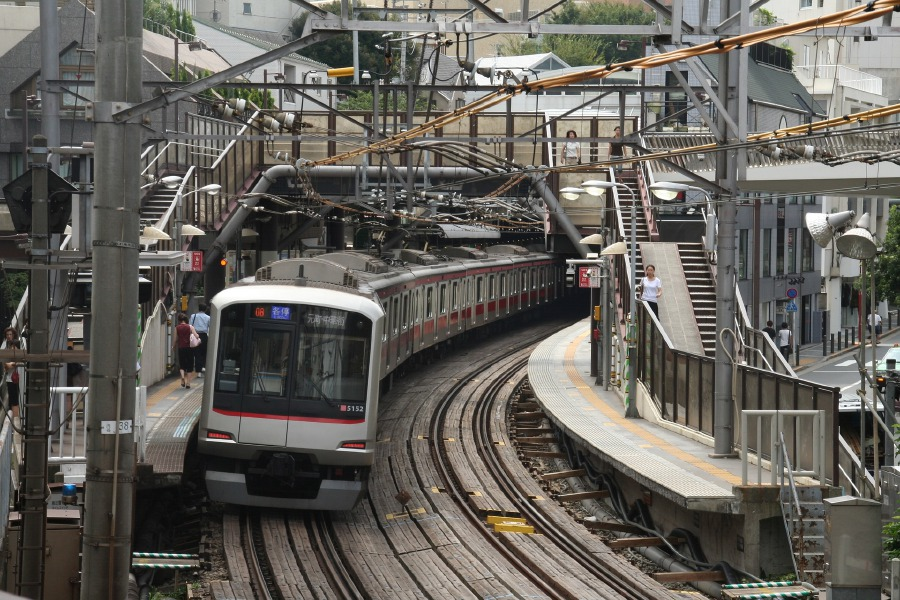 Fourteen passengers were injured after a driverless five-car train in suburban Tokyo went in the wrong direction and crashed into a buffer stop, Japanese police said Sunday. (File pic: For Illustration purposes only)