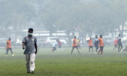 Some activities in USM, Penang still go on despite the haze. Pix by Danial Saad