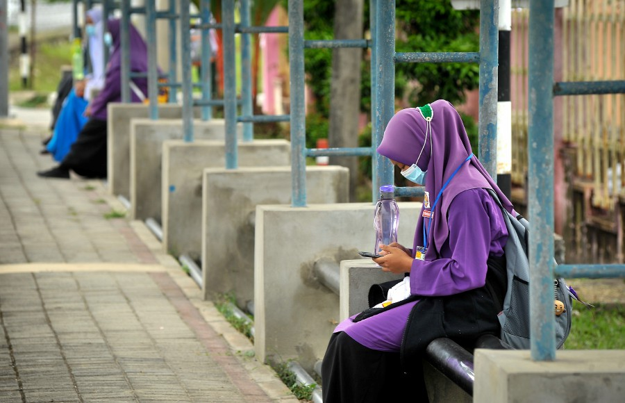All Labuan schools registered under the Education Ministry will be closed from Oct 17 to Oct 30. - BERNAMA pic