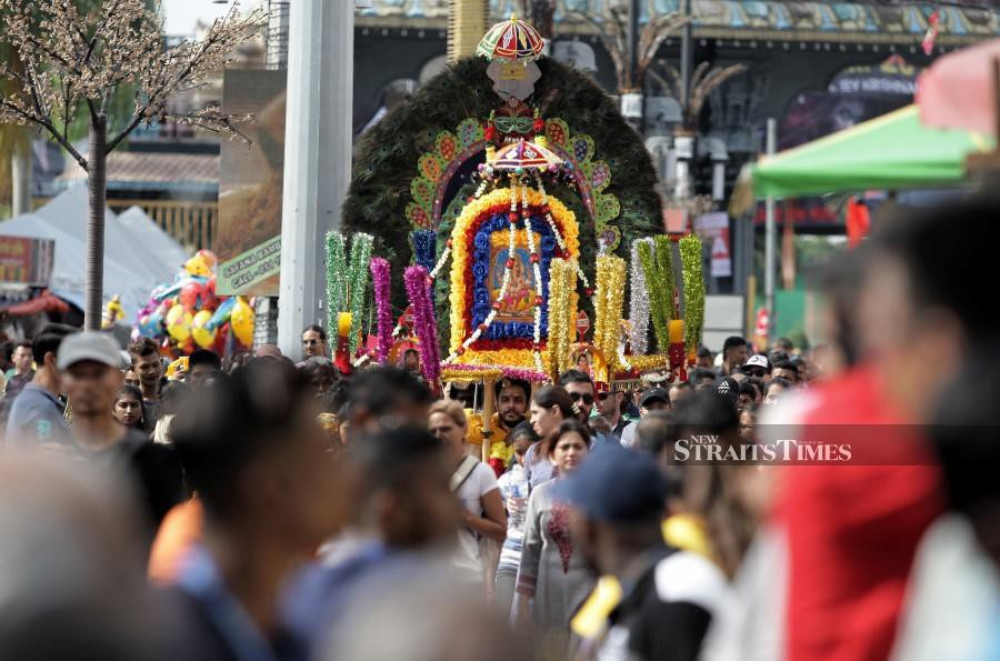 Several roads in Kuala Lumpur will be closed in stages in conjunction with Thaipusam celebration. -NSTP/ Zulfadhli Zulkifli.