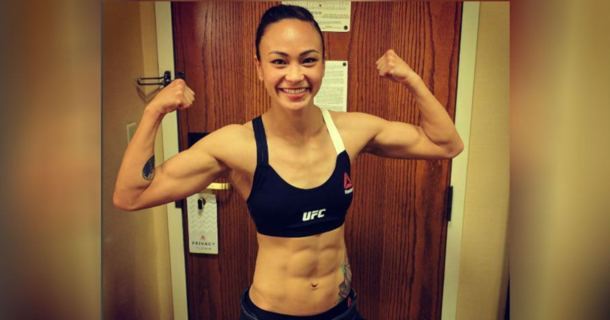 Ufc S Michelle Waterson Wows Malaysian Fans Outside The Octagon Назад видео боя дэн идж — луис гомес / ufc fight night. ufc s michelle waterson wows malaysian