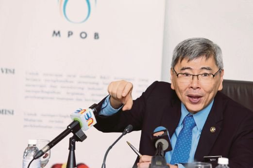 (NST File Pix) Plantation Industries and Commodities Minister Datuk Seri Mah Siew Keong says the MSPO will be a basis for branding the palm oil as a high value necessity for mankind.